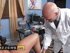 Doctors Adventure - (Rahyndee James, Johnny Sins) - Natural Top off - Brazzers