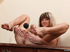 Gina Gerson Gets Busy Less Pussy Peruse