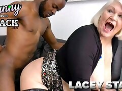 GRANNYLOVESBLACK - Lacey Pays Taxi Serving-wench With Sex