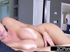 Sexy MILF Veronica Avluv Loves Big Cock
