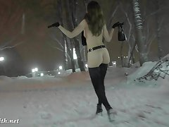 Jeny Smith scant approximately snow strike at walking through the city