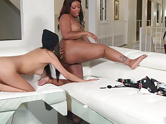Interracial Nancy Coitus By Gianna & Chanell